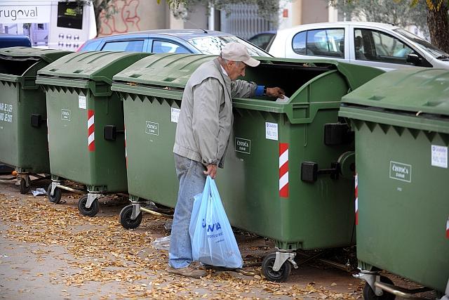 zadar, 27.11.2009. - kante za smece